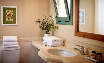 106 – Bathroom Studio, 1BR, 2BR (3)